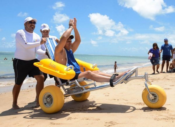 floating-beach-wheelchair-waterwheels-02