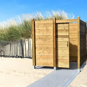 beachcabin-the-beach-changing-room-for-allPMR